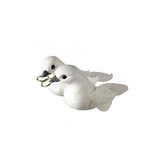 Bruiloft versieringen wit duivenpaar met ringen