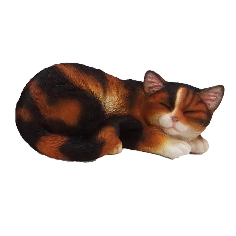 Dierenbeeldje gekleurd katten/poezen kitten slapend 28 cm