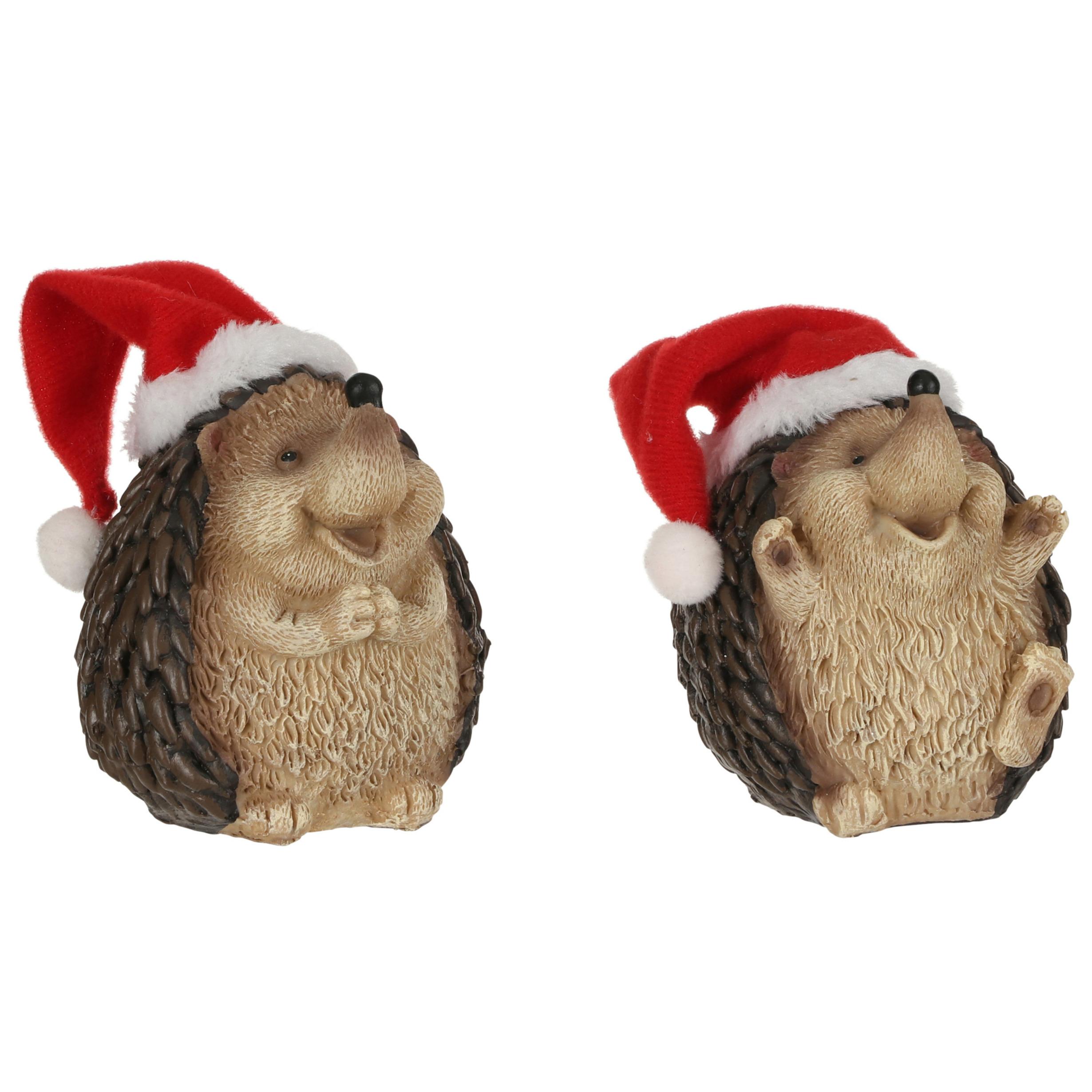 2x Dierenbeeldjes egels met kerstmuts kerstdecoraties 9 cm