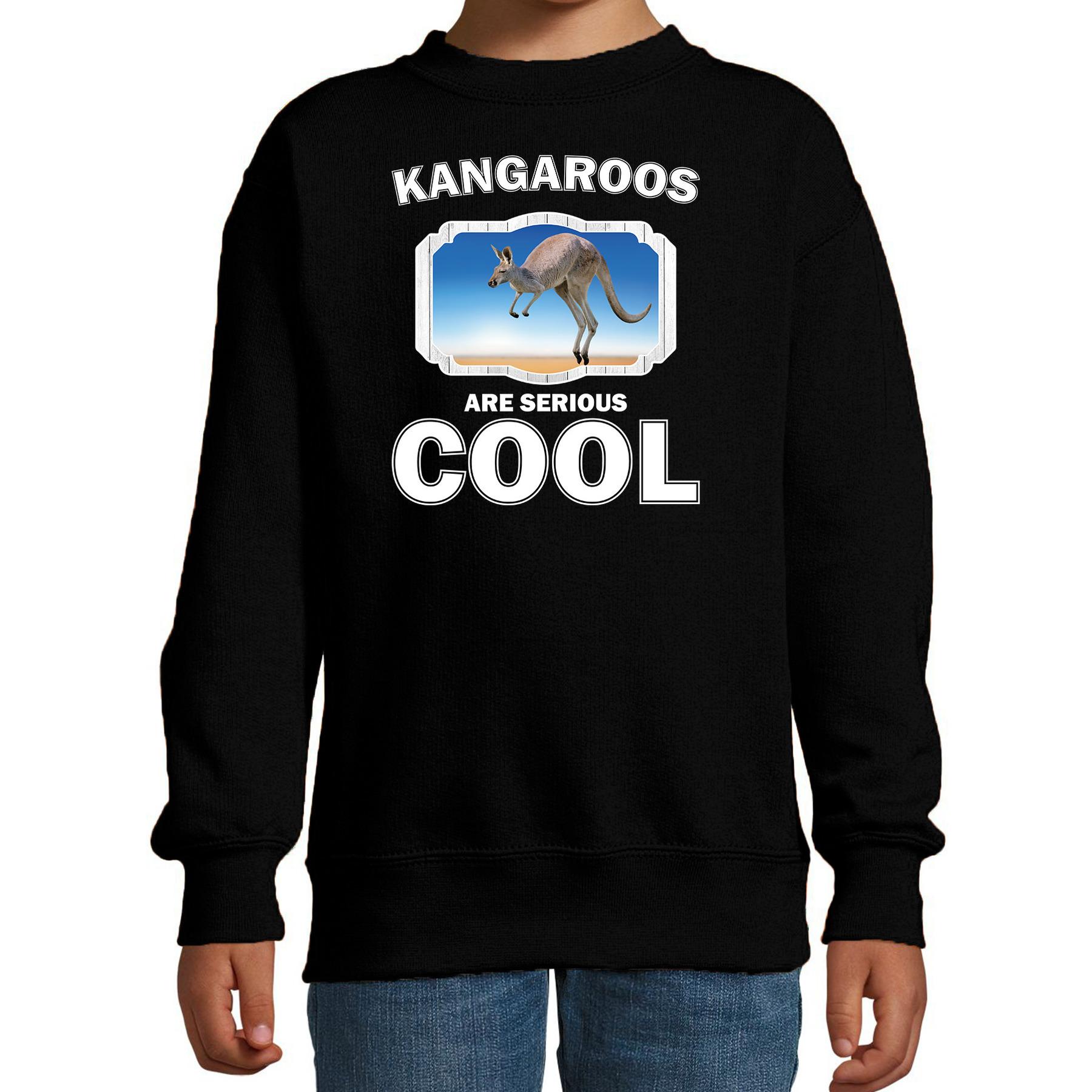 Sweater kangaroos are serious cool zwart kinderen - kangoeroes/ kangoeroe trui
